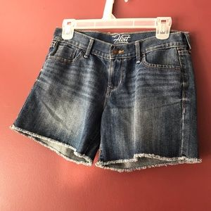 Old Navy The Flirt Jean Shorts Size 2